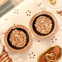 E106 2014 Hot selling Fashion Women Jewelry Old School Style Big Gold Plated Black Enamel Lion Head Coin Statement Stud Earrings(China (Mainland))