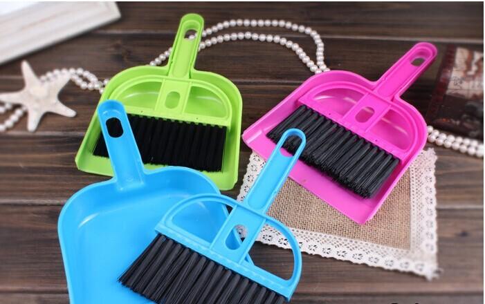 Free shipping 3pcs/bag Hot Mini Desktop keyboard cleaning brush sweeping brush with a small broom dustpan Set(China (Mainland))