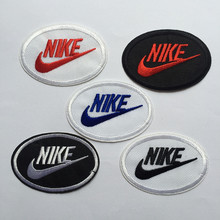 free shipping 10 pcs logo fashion badges embroidered Iron Quality Appliques DIY accessory garment bag patches(China (Mainland))