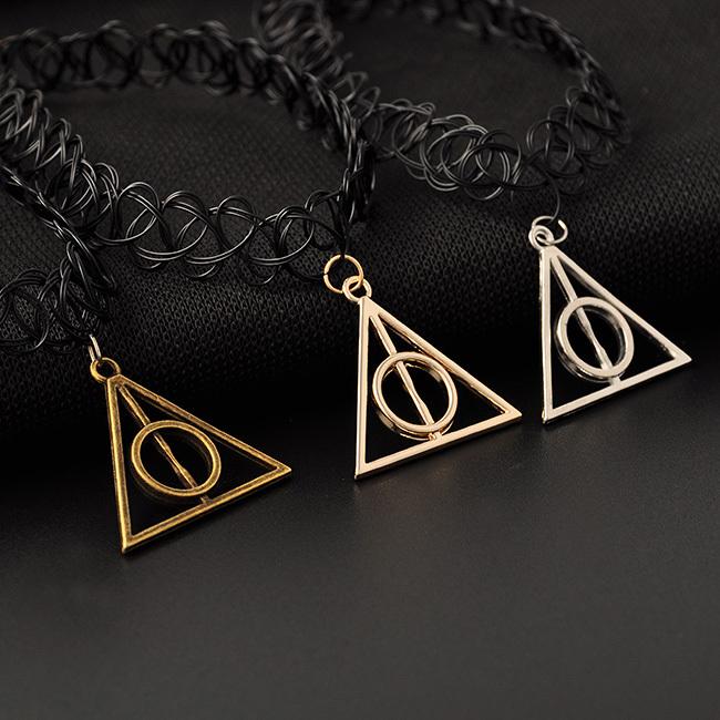 Гаджет  Fashion Retro Stretch Tattoo Choker Necklace Harry Potter Deathly Hallows Pendant Necklace Black Plstic Collar necklace None Ювелирные изделия и часы