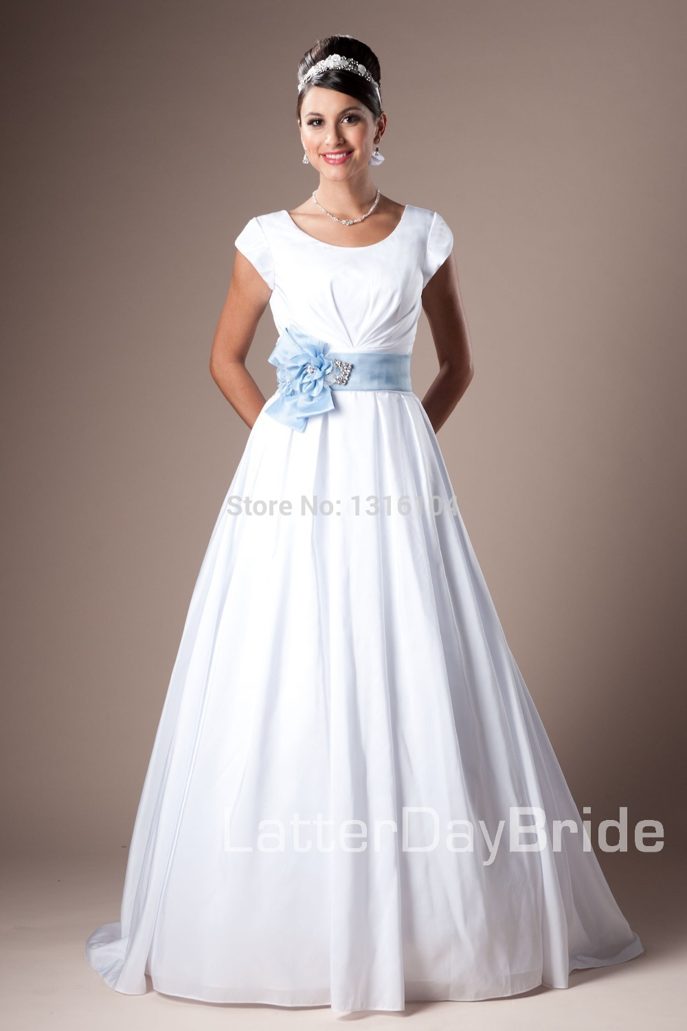 2016 women modest wedding gown with sleeves a line white for Mormon temple wedding dresses