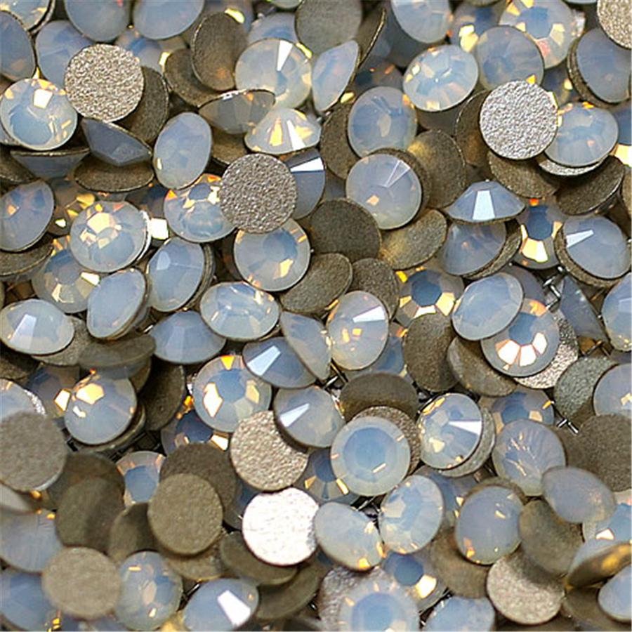 color White Opal nail flat back non hot fix rhinestones round shape flatback non hotfix crystals 1440pcs per bag(China (Mainland))