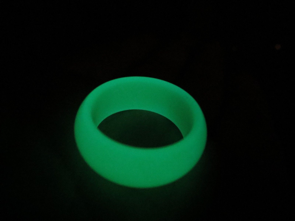 2081 natural glow in the dark green jade finger ring gem<br><br>Aliexpress
