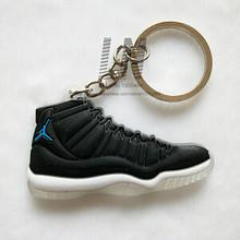 17 cor mini silicone jordan 11 chaveiro saco charme mulher dos homens crianças chaveiro presentes sneaker chaveiro acessórios sapatos chaveiro(China)