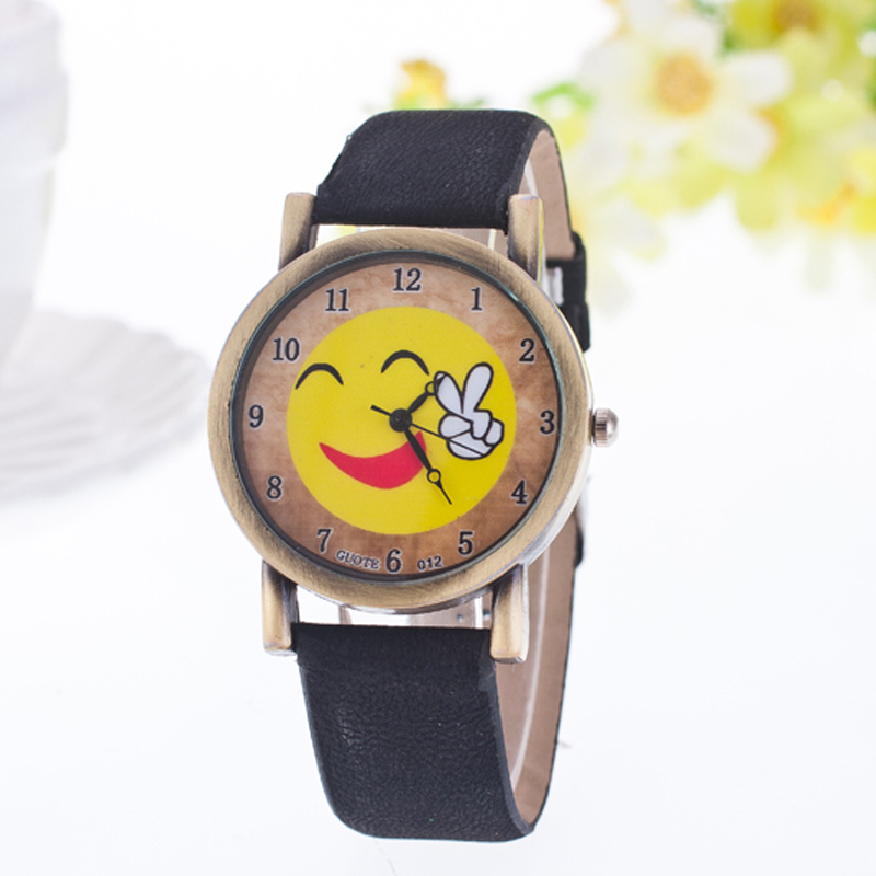 2016 New Fashion Casual Kids Quartz Watch Cartoon Smile Victory Leather Women Watches Student Children Boutique Gift Wristwatch