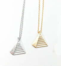 2015 Gold Silver Fine Jewlery Stainless Steel Triangle Pyramid Charm Necklace for Women