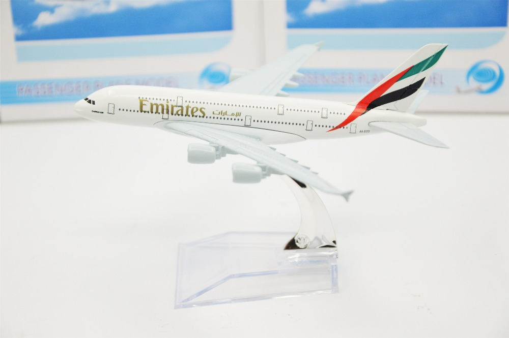 16cm Alloy Metal Air Emirates Airlines A340 Boeing Airway Airplane Model Plane Model W Stand Aircraft Toy Gift(China (Mainland))
