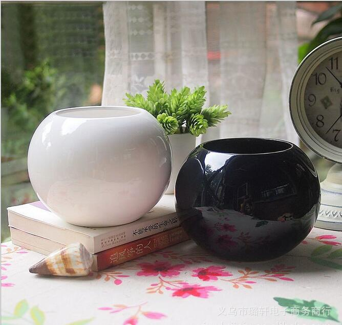 Ceramic pots small black and white 2 colors for selection mini creative small pots pots(China (Mainland))