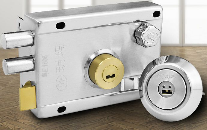 Free shipping Stainless steel anti-theft door lock super grade C idling old outside locks wooden door(China (Mainland))