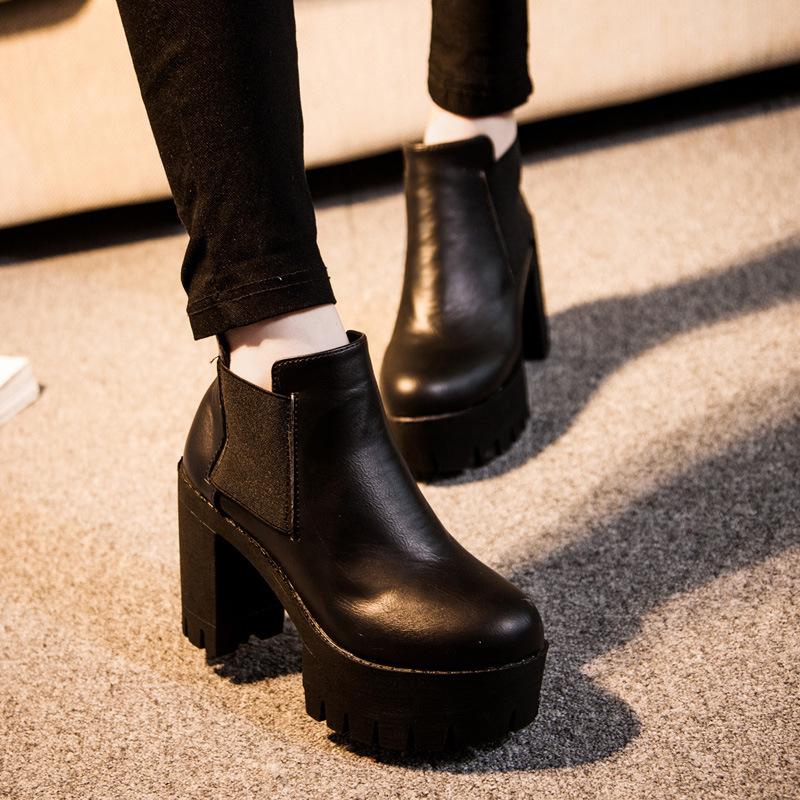 Ботинки с квадратным каблуком с чем носить