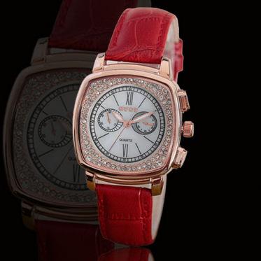 Hongkong high-grade Korean version of fashion belt, white students watch retro quartz watches<br><br>Aliexpress