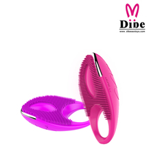 Dibei Rechargeable 20 Speed Vibrating Cock Rings Penis Sleeve Cockring Sex Products For Men Penis And Women Clitoris Stimulator(China (Mainland))