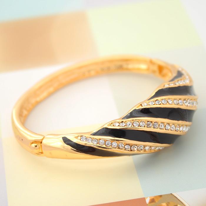 Bracelets New Fashion Women Enamel Clear Rhinestone 18K Real Gold Plated Jewelry Gift For Women Bracelet brand (VITO H5507)(China (Mainland))