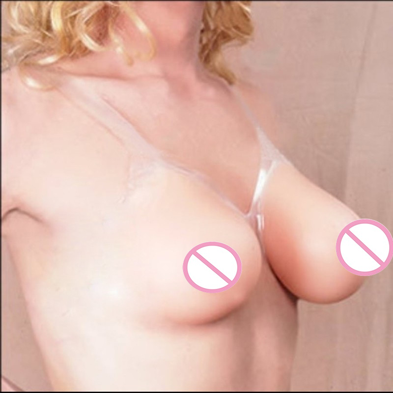 Трансвестит с большой грудью 14 фотография