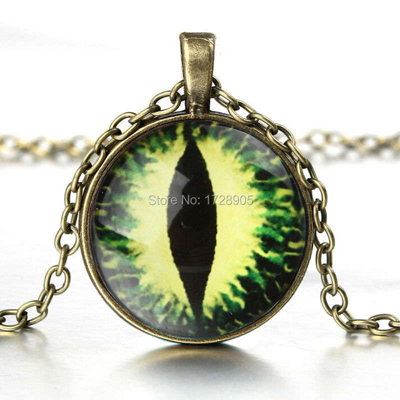 Free shipping Green Dragon EYE Pendant Necklace Green Jewelry Necklace for him Art Gifts for Her Glass Cabochon Necklace(China (Mainland))