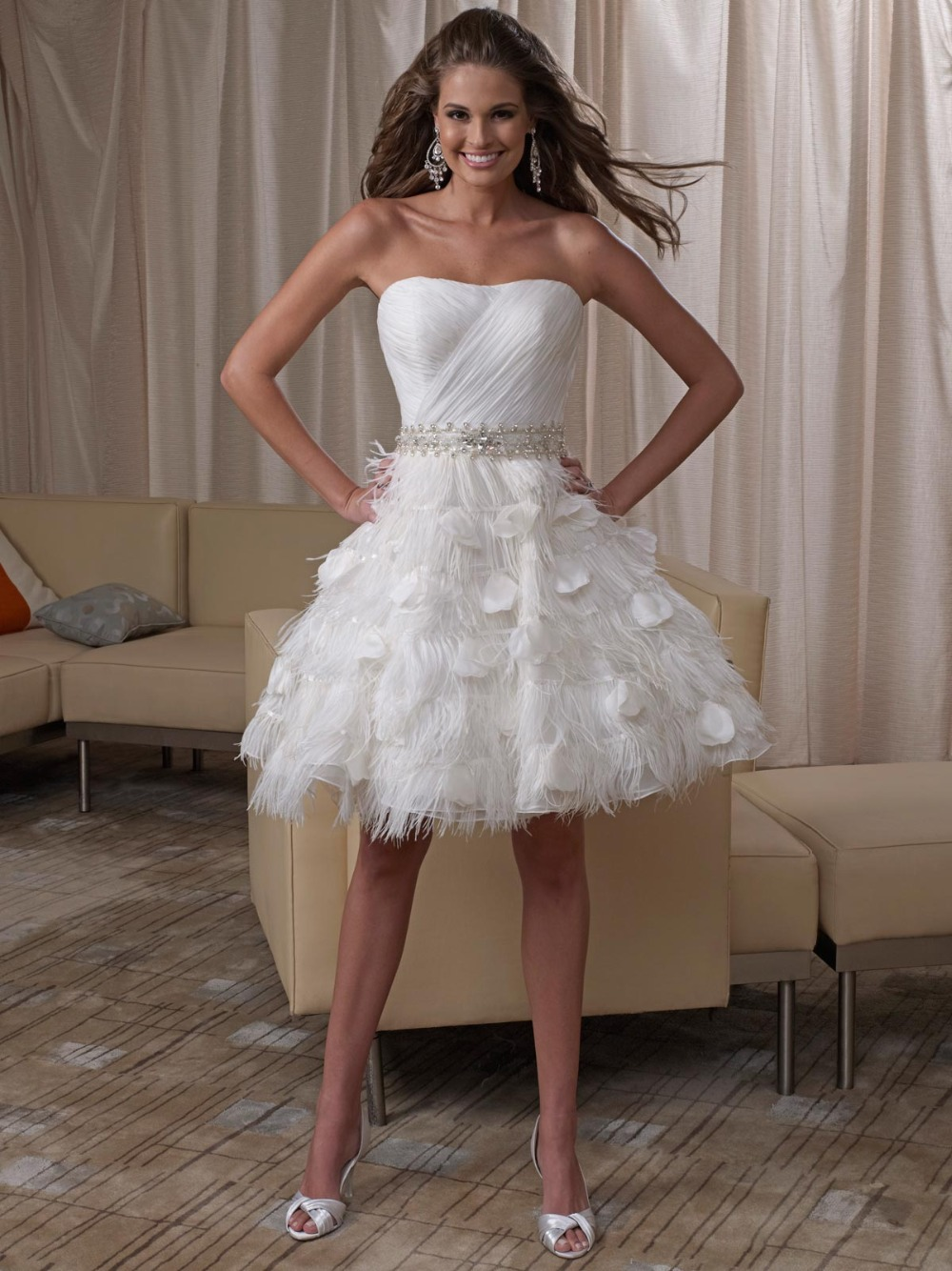 Sheer White Bridal Gowns Sweetheart Knee Length Chiffon