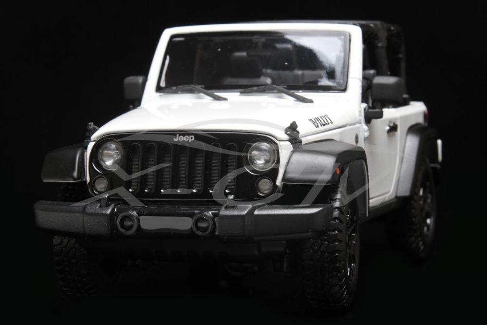 Diecast Car Model Maisto Jeep Wrangler Willys 1:18 (White/Black) + SMALL GIFT!!!!!!!!!(China (Mainland))