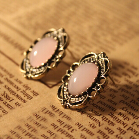 Free Shipping $10 (mix order)  New Fashion Vintage Korean Jewelry Retro Pierced Lace Inlaid Earrings Pink Jewelry(China (Mainland))