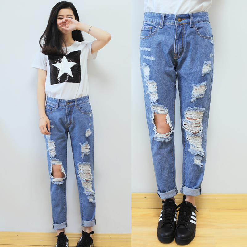 Denim is an all-American outfit staple that you absolutely need in your wardrobe. Between different cuts and washes though, the options are endless! We're all familiar with the high-waisted skinny jean which is like the modern classic, but if you want a true classic fit, try out a straight leg cut with a mid-rise.