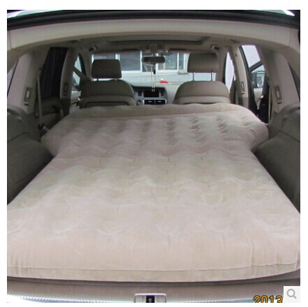 grande voiture lit voyage voitures transport matelas gonflable dans si ges banquettes et. Black Bedroom Furniture Sets. Home Design Ideas