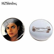 2019 New Michael Jackson di Vetro Cabochon Argento Spilla Moonwalk Del Mestiere della Mano Pendenti con gemme e perle di Vetro Cupola Spille Gioielli Spilli Regali(China)