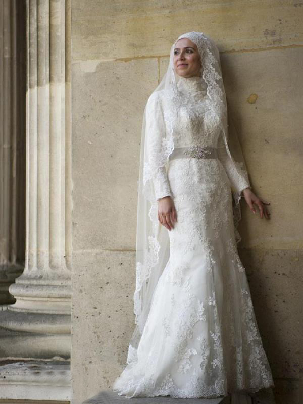 Long sleeves beading lace trumpet mermaid muslim arabic for Plus size trumpet wedding dress with sleeves