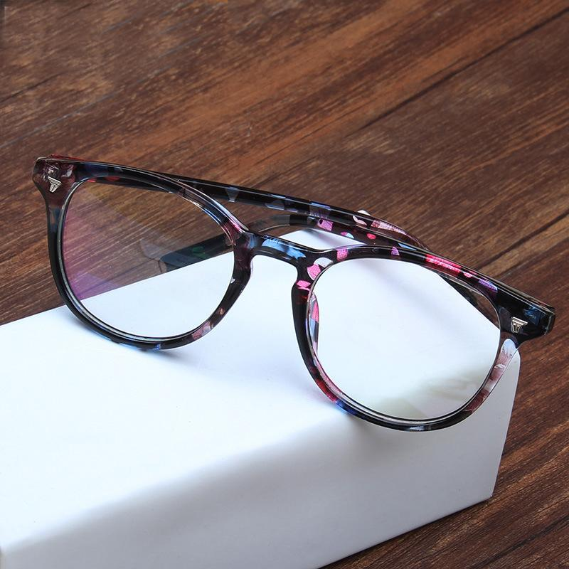 Women s eyeglasses Vintage Rivet Radiation protection green film lens glasses frame for women eyewear 2015