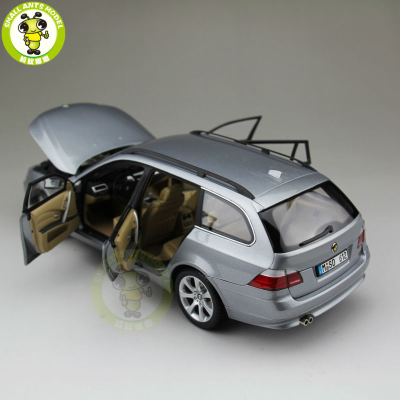 1/18 Kyosho 08592S 5-SERIES TOURING Diecast Automotive Mannequin Silver