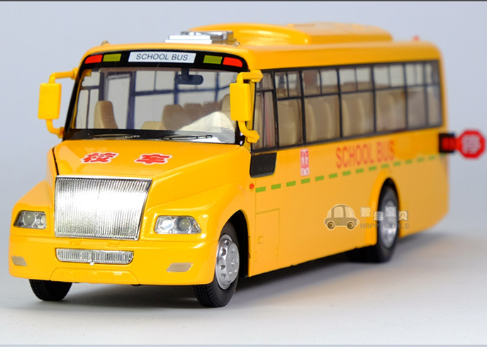 1:32 1pc 23cm delicacy Big Nose school bus acousto-optic mini alloy car pull back model decoration boy children baby toy Gift(China (Mainland))