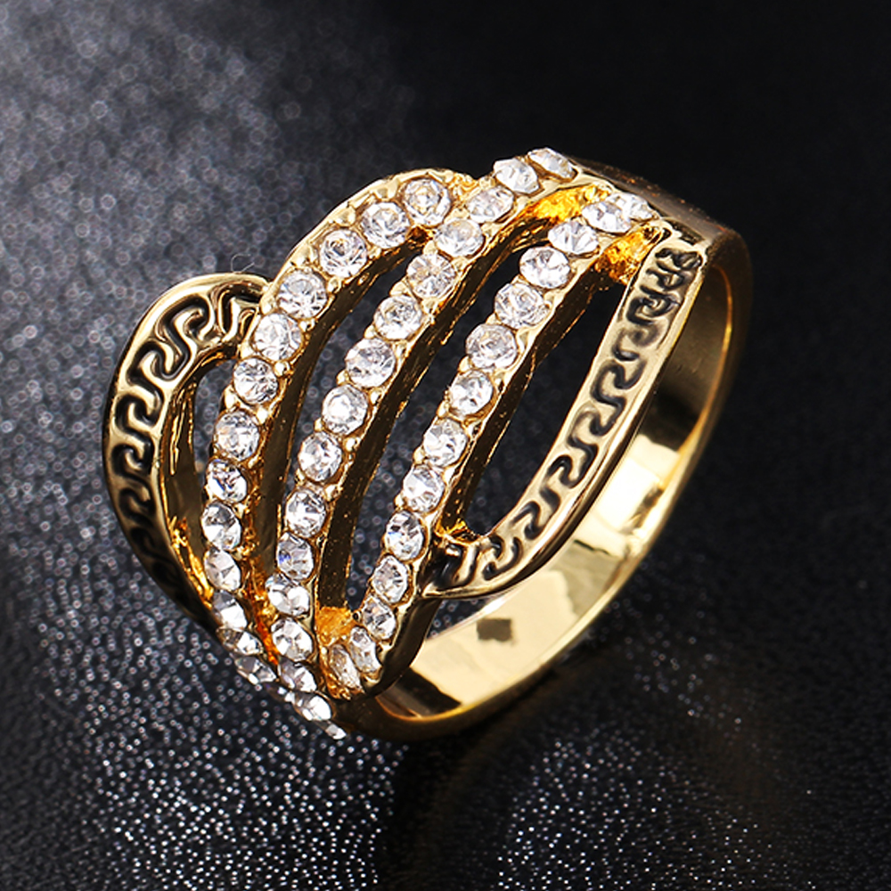 Punk Fashion Crystal Party Ring For Women Retro Antique Gold Color Boho Beach Rhinestone Vintage Fashion Accessories(China (Mainland))