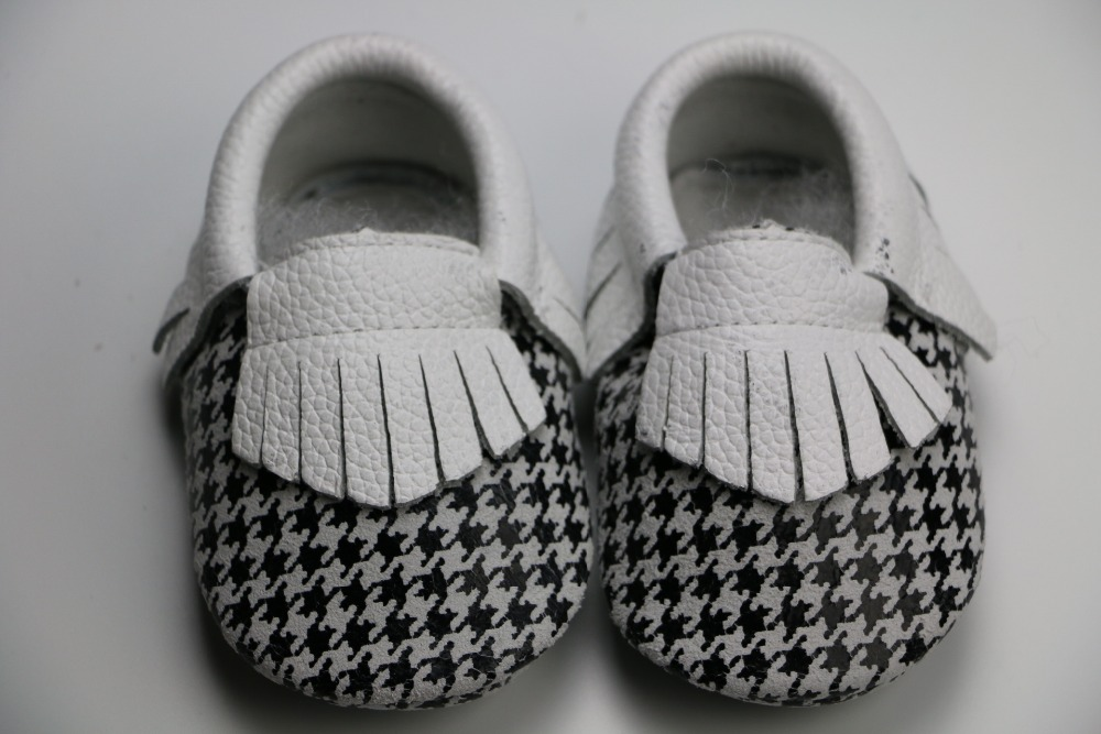 Factory 10pairs Gingham cow leather soft-soled baby moccasins prewalker booties infant kids fringe newborn shoes free shipping<br><br>Aliexpress