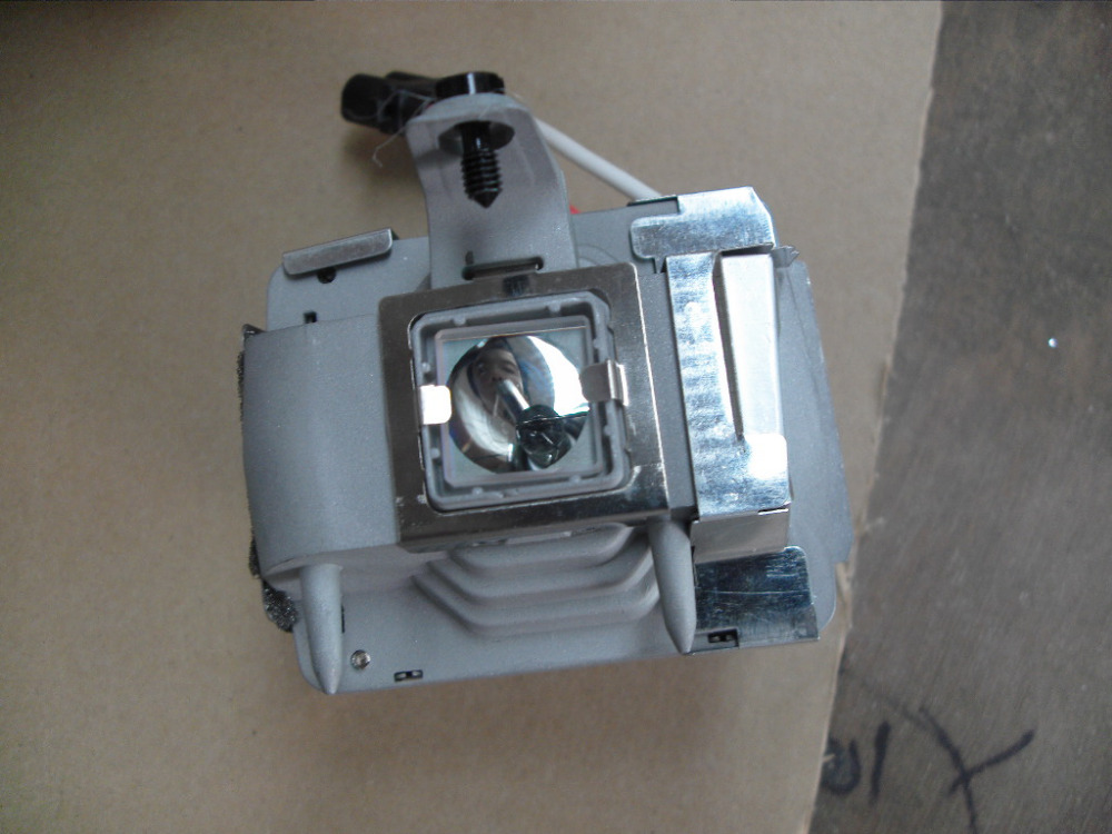 Фотография Free shipping sp-lamp-026 / sp-lamp-019 High Quality Replacement Lamp for INFOCUS Series 150 Days Warranty