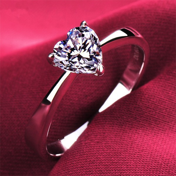 Royal Design 1 Carat Heart Shape Lovely Style Synthetic Diamond Women Engagement Ring White Gold Heart Ring With Box(China (Mainland))