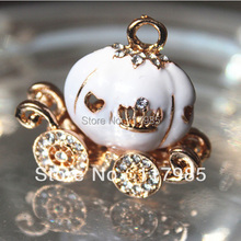 25*30mm Pumpkin Carriage Pendant Gold Plate with Clear Rhinestone Necklace Pendant(China (Mainland))