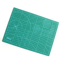 PVC Rectangle Self Healing Cutting Mat Tool 3 Layer A4 Craft Dark green 30cm x22cm, 1 Sheet