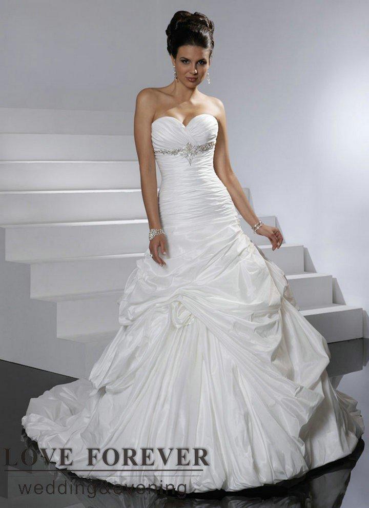 White taffeta sweetheart best selling long train victorian for Best selling wedding dresses
