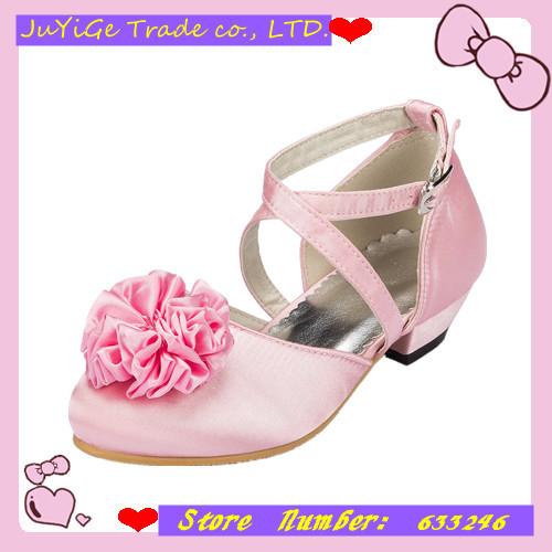 2014 New Satin Banquet Girls Sandals Round head Princess Children's party Flower Sandals Girls with Pink Flower(China (Mainland))