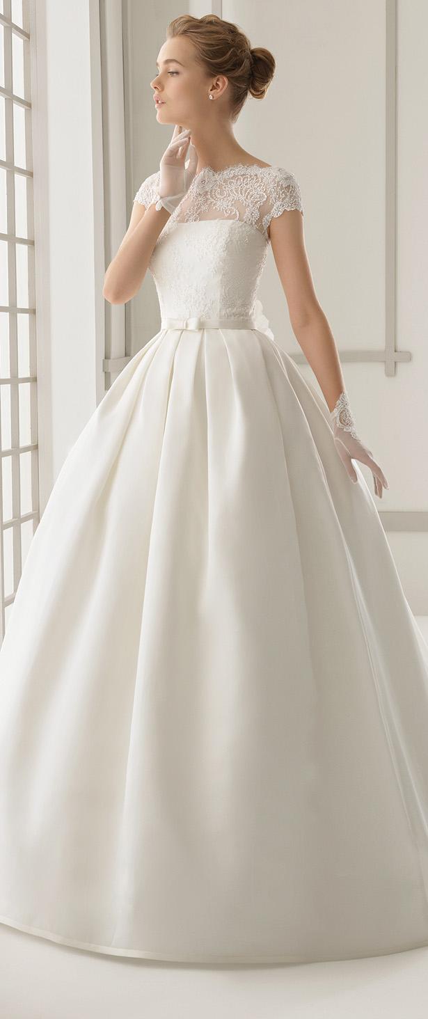 Plus size modest elegant wedding dresses wtih flowers 2016 for Modest elegant wedding dresses
