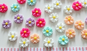 200pcs lovely Daisy medium Sunflowers Cabochons (15mm) Cell phone decor, hair accessory supply, embellishment, DIY