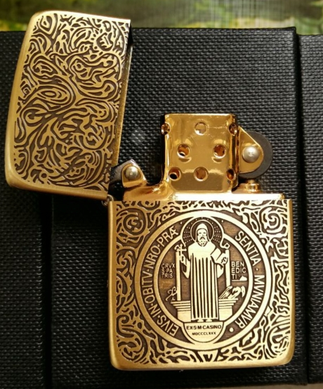 wholesale zip Brand lighter high quality copy gold liner five carvingd constantine father cross(China (Mainland))