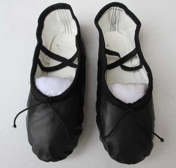 HOT Sale Women Genuine Leather Soft Sole Ballet Shoes Practice Shoes Children Ballet Dance Shoes Full Leather Dancing Shoes(China (Mainland))