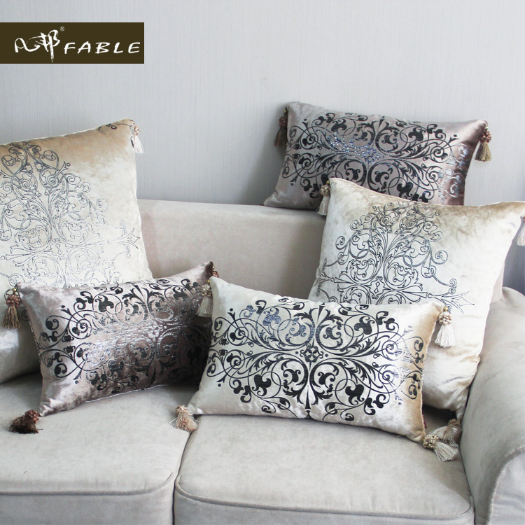 Quality Luxury Fashion Velvet Printing Sofa Cushion Hot Black Gold Amazing Grey And Gold Decorative Pillows