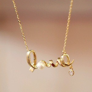 Wholesales Fashion New 2015 Christmas Gift Gently Around A Heart Of Love Chic LOVE Necklace Jewelry