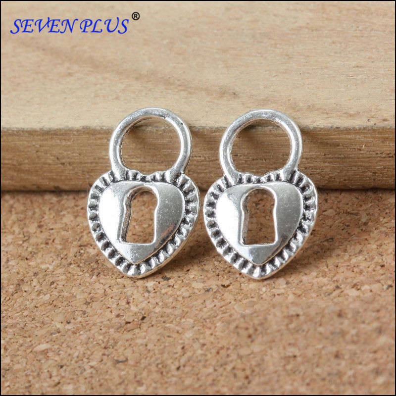 Good Quality 50 PCS/Lot 17mm*11mm antique silver plated Hollow Out Key Heart Charms(China (Mainland))