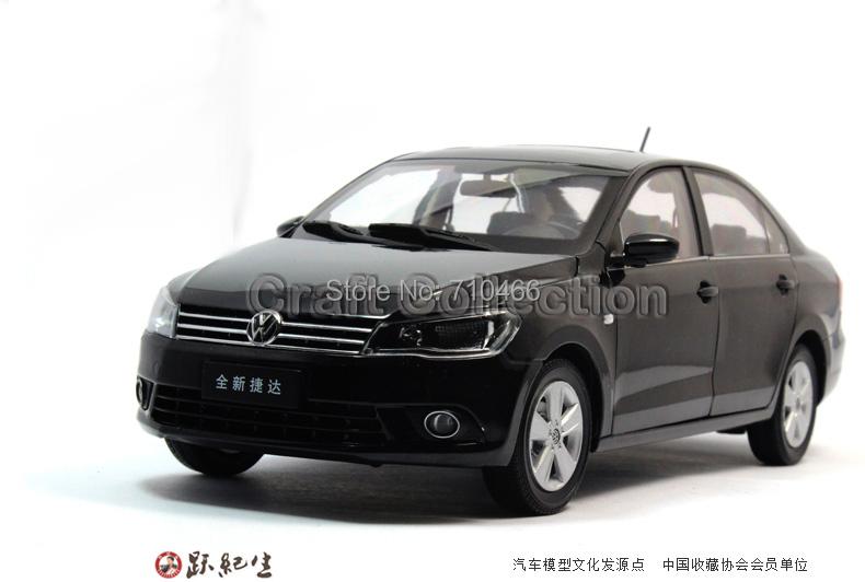 Black 2013 1:18 Volkswagen German VW Jetta Miniature Scale Models Classic Toys Car Replica(China (Mainland))