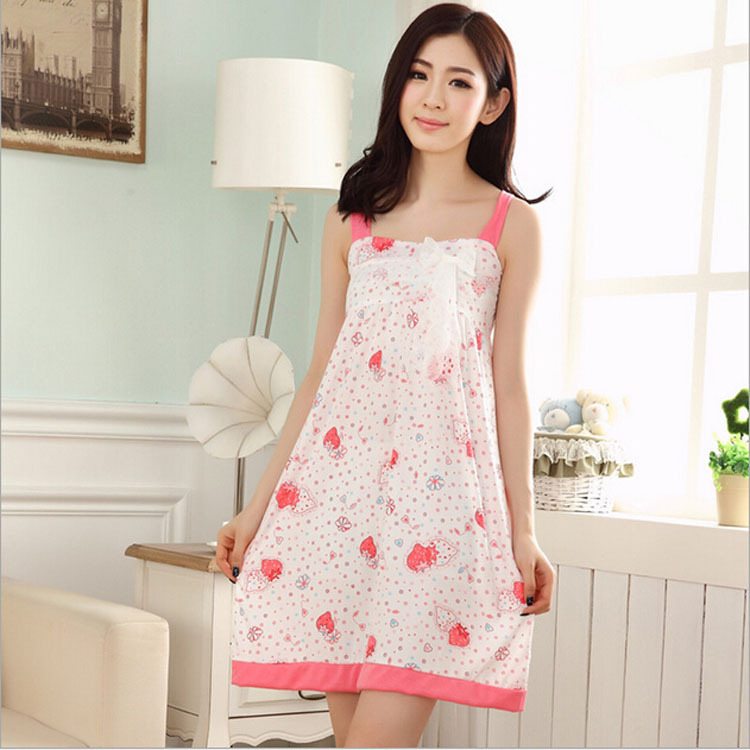 Keeping that in mind the two main types of comfortable nightwear for girls are nighties and pyjamas. Nighties The length of a nightie generally touches the knee and is commonly crafted with the softness and breathability of the cotton fabric.