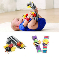 2016 Hot Sale Infant Baby Toys Wrist Watches Foot Socks Rattles Cute Bug Finders Toys 0+