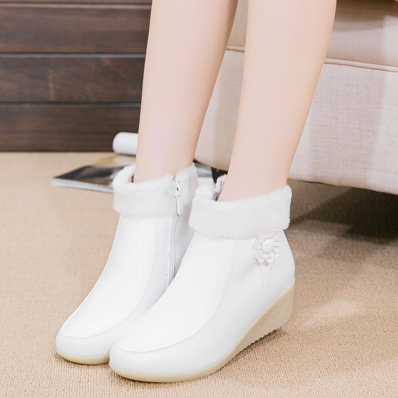 Nurses Shoes Leather White Short Boots Shoes Work Wedges Ankle Boots To Keep Warm Snow Winter Boots bottes hiver femmes(China (Mainland))