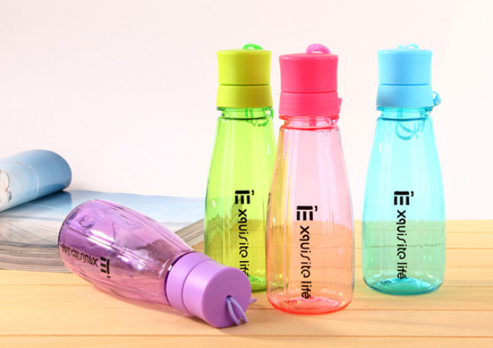 NEW ARRIVAL 400ML space cup Leakproof Popular brands Soda Bottle Beverage bottles w/lid 4 colors optional 1pcs resell(China (Mainland))