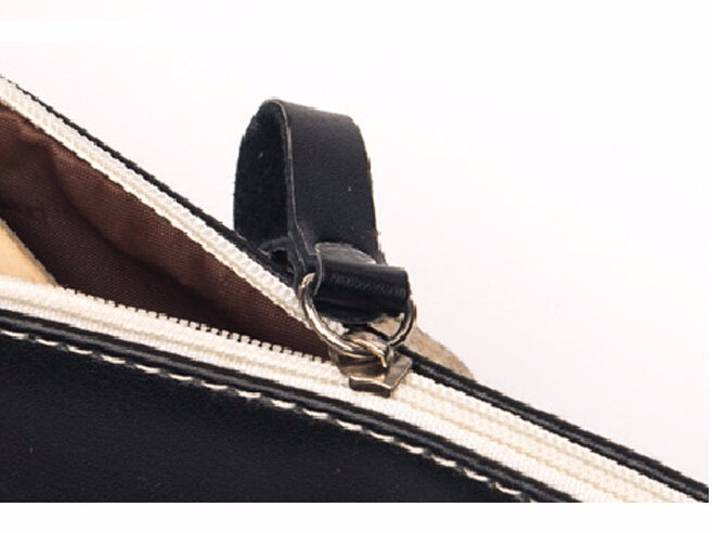 2016 New Triangle My Pencil Case Classical Black And White Color Waterproof PU Leather Storage Cosmetic Bag H0009